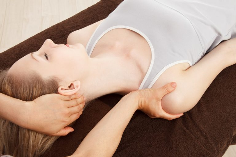 How Chiropractic Care and Massage Therapy Work Hand-in-Hand | Comprehensive Spine & Sports Center